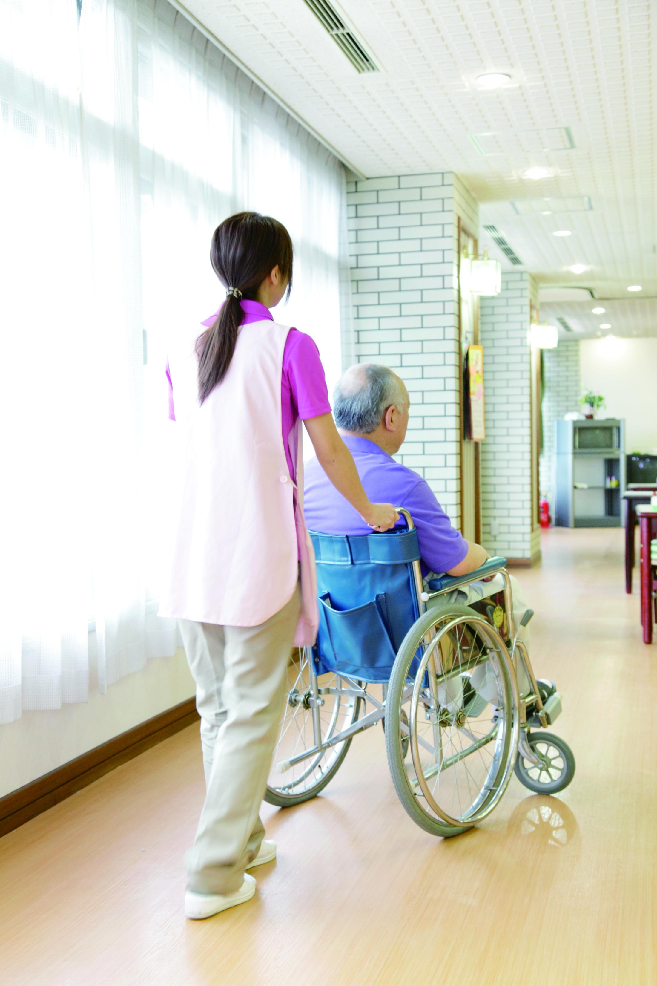 【東根市】《職業紹介》介護施設でのお仕事 正社員雇用